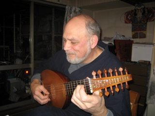 Jim and Lute (320x240).jpg